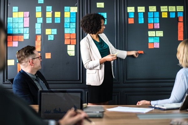 In-House Marketing vs Agency Marketing Debate